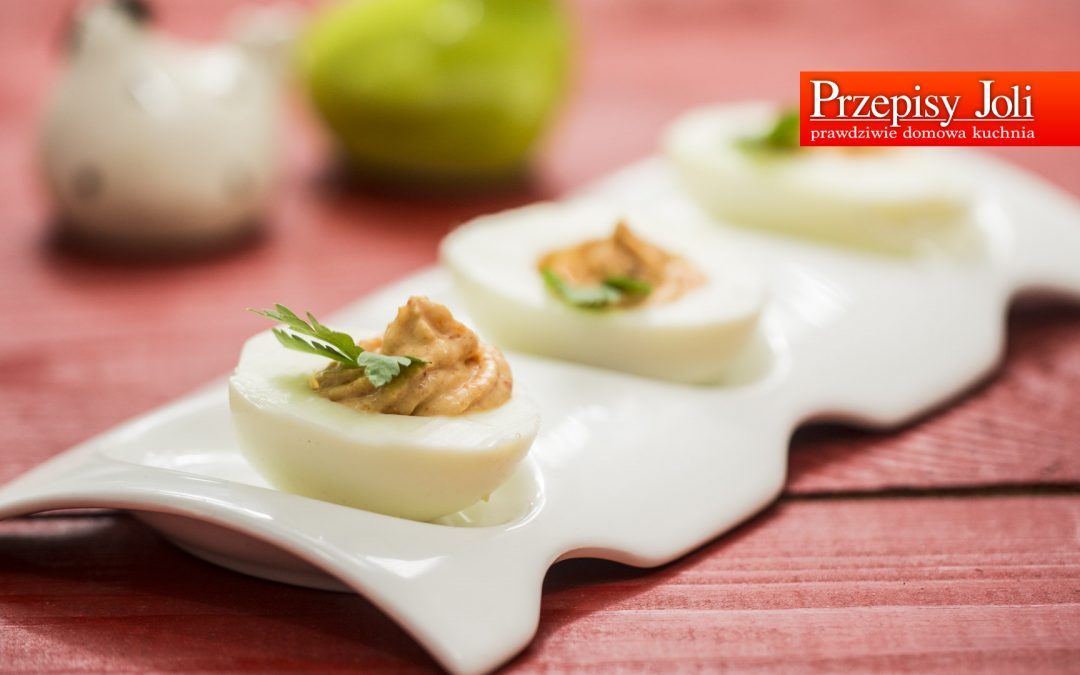 RED PEPPER DEVILLED EGGS RECIPE