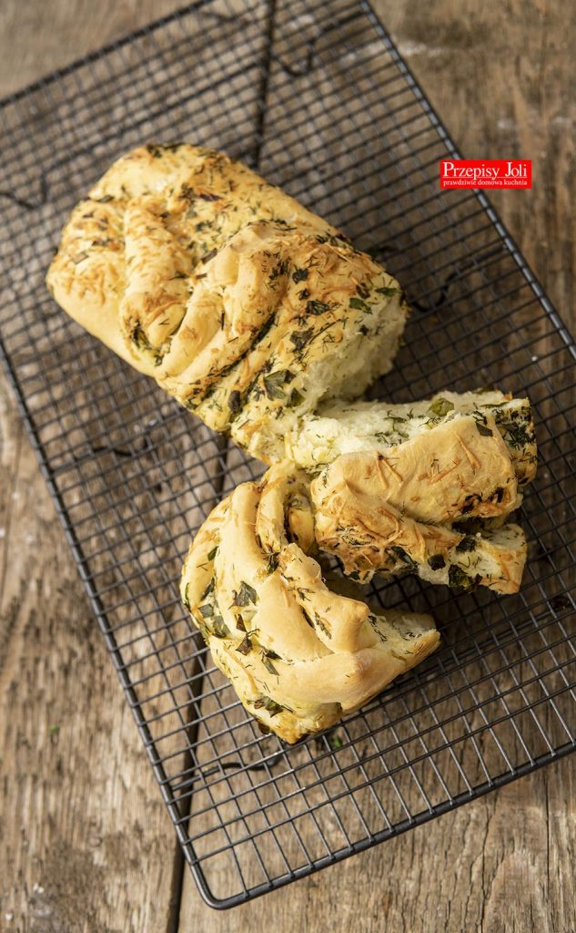 TEAR AND SHARE HERB BREAD RECIPE