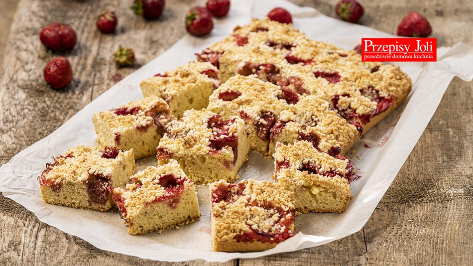 PUDDING CAKE WITH STRAWBERRIES RECIPE