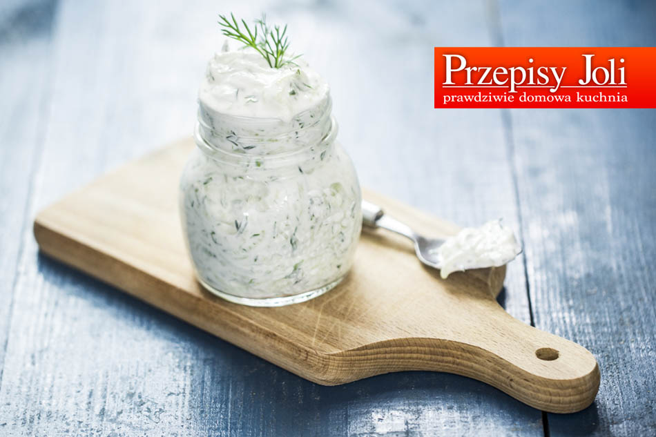 PERFECT HOMEMADE TZATZIKI SAUCE