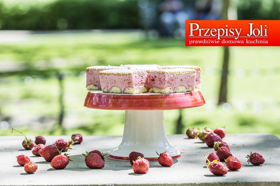 STRAWBERRY CLOUD – NO-BAKE CAKE RECIPE